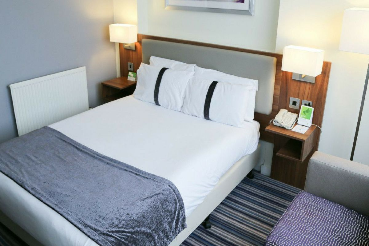executive rooms runcorn